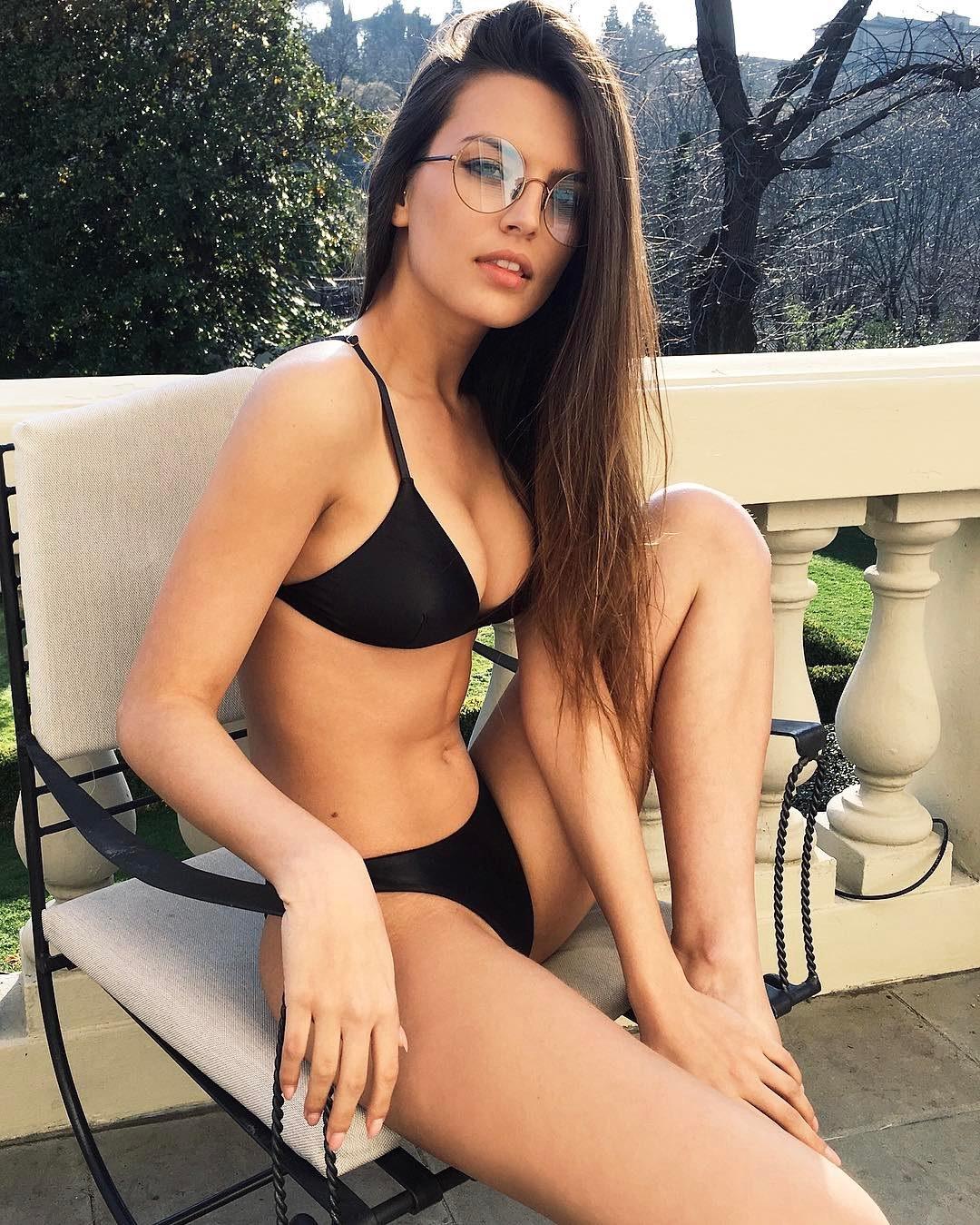 Эскорт модель Каролина