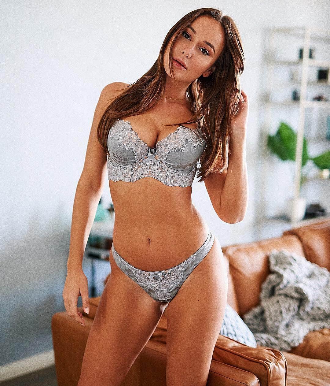 Эскорт модель Стэйси