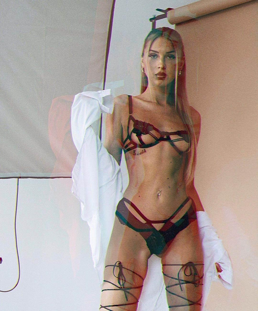 Эскорт модель Алия