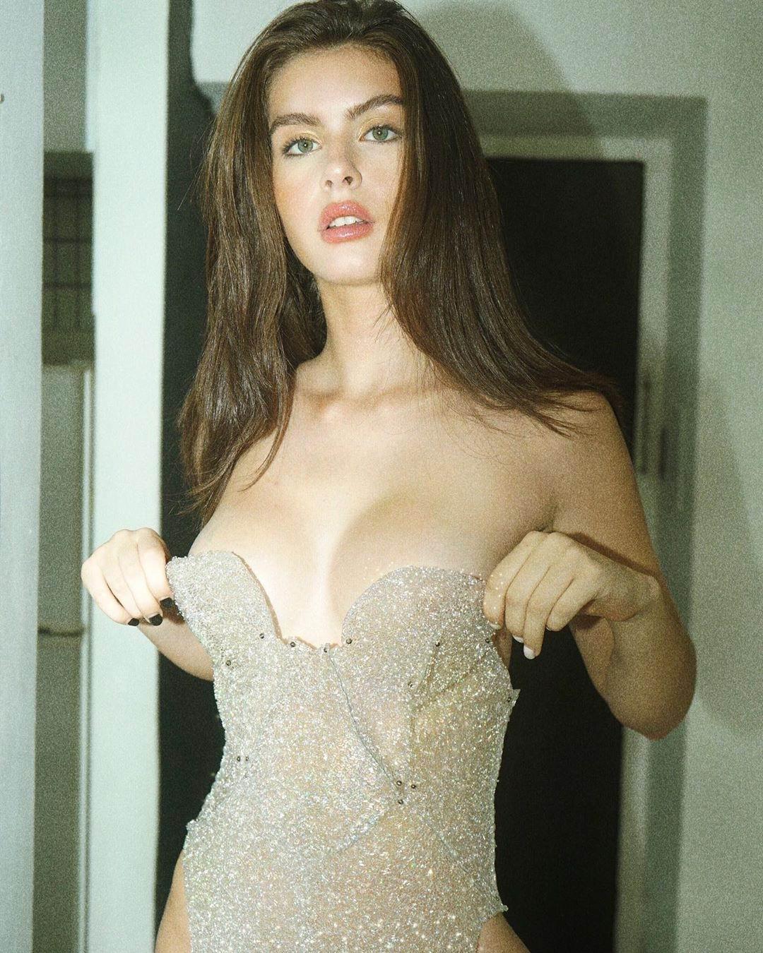 Эскорт модель Марьяна
